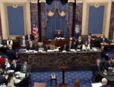 Procesul destituirii lui Trump: Senatorii americani, criticati pentru ca au adormit si s-au jucat in timpul audierilor
