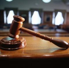 Procesul dintre Boc si Tariceanu s-a amanat pentru luna iunie