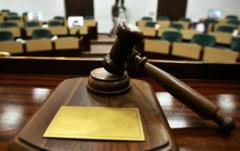 Procuror din Craiova, acuzat ca a furat bani si bunuri aflate sub sechestru. Magistratul este judecat pentru doua infractiuni grave