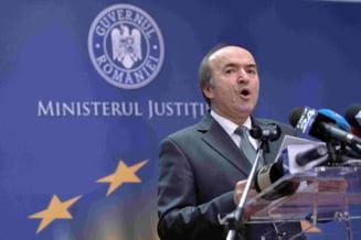 Procurorii pe care Toader i-a respins in bloc pentru postul din Bruxelles cer explicatii