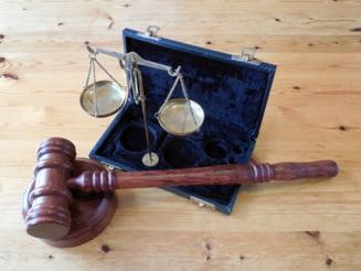 Procurorul care a deschis ancheta 10 august a suspendat in instanta actiunea disciplinara deschisa impotriva sa
