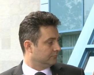 Procurorul general acuza Lukoil ca pune presiune pe procurorul de caz