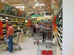Produsele romanesti, obligatoriu in hipermarketuri - vezi cum ar influenta pretul alimentelor