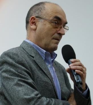 Prof.unif.dr.Radu Gologan: In Japonia, nu doar ministrul Mang, ci si premierul ar fi demisionat
