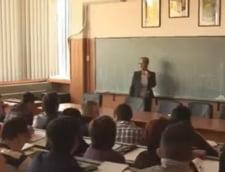 Profesor de la Medicina Veterinara, prins cand lua mita sa treaca mai multi studenti