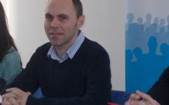 Profesorii Carolina Guraliuc si Victor Iacobescu sunt noii adjuncti de la Invatamant. Marius Balasa preia fraiele Casei Corpului Didactic