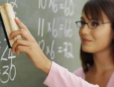 Profesorii au alternative la invatamantul de stat. Vezi ce joburi sunt disponible
