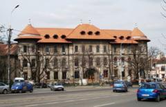 Profesorii de la Colegiul Gheorghe Sincai ameninta cu greva generala, din cauza conflictului cu Primaria Sectorului 4