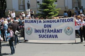 Profesorii de la o scoala din Suceava refuza sa-si reia activitatea: Nu ne sunt asigurate materiale de protectie si noua, ci doar elevilor!
