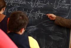 Profesorii s-ar putea pensiona mai devreme