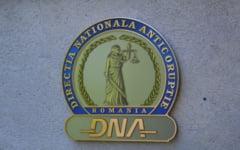 Profesorii spagari din Ialomita, anchetati de DNA, si-au recunoscut faptele in instanta. Potrivit legii, acestia vor primi pedepse mai mici