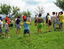Profesorii vor pleca in excursii cu copiii semnand declaratii pe propria raspundere