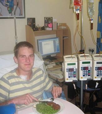 Profil de invingator: Bolnav de cancer, a intrat cu note maxime la Cambridge