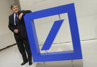 Profiturile bancilor, lovite de criza din zona euro