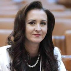 """Programele Ministerului Educatiei - invatamantul dual, noi prevederi pentru intership, """"Scoala pentru toti"""""""