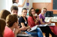 """Programul """"Bani de liceu"""" se deruleaza si in acest an scolar in liceele din Lugoj"""