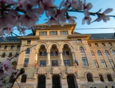 Programul de vizitare al Primariei Capitalei, prelungit cu o saptamana dupa ce aproape 10.000 de persoane au vazut institutia in Noaptea Muzeelor