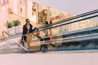 Programul supermarketurilor, mall-urilor, bancilor si Postei in minivacanta de 1 Mai