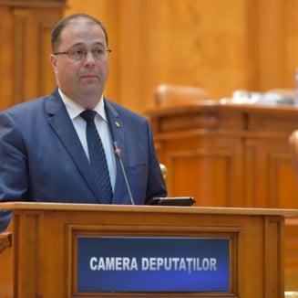 Proiect pentru ca toate mormintele si operele comemorative de razboi sa treaca in administrarea Ministerului Apararii