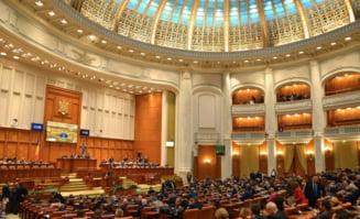 Proiectele legislative de desfiintare a Institutului Revolutiei Romane si a Institutului Levantului, conduse de Iliescu si Constantinescu, respinse de Senat si Camera Deputatilor