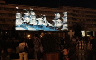 Proiectii video si holografice pe fatadele unor cladiri de referinta ale Brailei