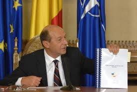 Proiectul de modificare a Constitutiei, propus de Basescu, a fost respins de deputati (Video)