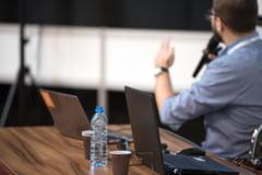 Proiectul privind acordarea stimulentului de risc pentru profesori, in starea de urgenta si alerta, adoptat pe articole de deputati