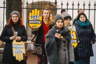 Protagonistii protestului record din Sibiu: Vom sta chiar langa ei, cat mai aproape, sa ne simta respiratia Interviu