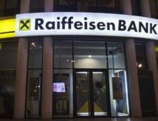 Protectia Consumatorilor a amendat Raiffeisen Bank cu 100.000 lei pentru ca nu a aplicat o sentinta definitiva. 14.000 de clienti au platit credite mai scumpe