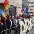 """Protest AUR in fata Ministerului Sanatatii. Simion: """"Vrem demisia lui Vlad Voiculescu, nu o sa cedam. Premierul Citu este slab"""" VIDEO"""