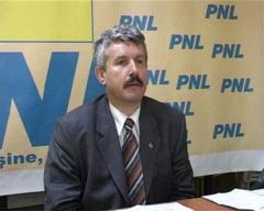 """Protest PDL cu tricouri inscriptionate cu """"Taci dracu' din gura!"""""""
