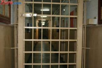 "Protest al angajatilor de la Penitenciarul Poarta Alba: ""Cu asa conducatori, o tara de infractori"""