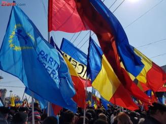 Protest al diasporei la Chisinau: Cutitul a ajuns la os, asa nu se mai poate!