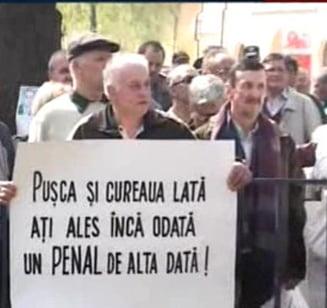 Protest al revolutionarilor in fata sediului PSD, pentru schimbarea lui Cutean