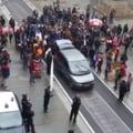 Protest al rromilor la Torino si o provocare ironica de la doi politicieni italieni (Video)