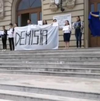 Protest al studentilor din Iasi: Toader, Savonea & Ciorbea, cream of the cream of Romanian injustice (Galerie foto&Video)