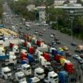 """Protest al transportatorilor de mărfuri, în Piața Victoriei: """"Impozitare retroactivă diurnă = moartea transporturilor rutiere"""""""
