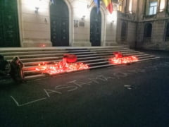 """Protest anuntat in aceasta seara, in Piata Victoriei: """"Pentru Alexandra. Impotriva unui stat nepasator!"""""""