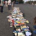 Protest cu carti pentru demisia ministrului Pop: Sa te ajute Dumnezeu, ca mintea nu te ajuta deloc (Galerie foto)