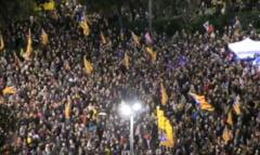 Protest cu mii de oameni la Barcelona, in ziua procesului liderilor separatisti: Risca si 25 de ani de inchisoare (Video)