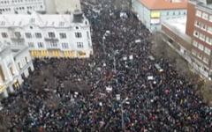 Protest cu zeci de mii de slovaci la Bratislava: Coruptia trebuie sa fie pedepsita!