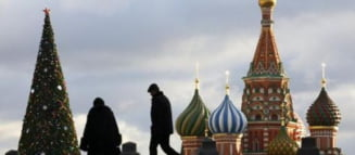 Protest extrem la Moscova: Si-a batut un cui in organele genitale