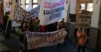 """Protest fata de """"chiriile nebune"""" din Cluj-Napoca. S-a scandat """"Da Doamne sa dispara piata imobiliara"""""""