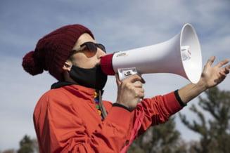"Protest fata de masurile de izolare, in Irlanda. Politia a arestat 11 persoane care au refuzat sa se ""imprastie"""