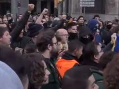 Protest in Barcelona: Violente intre manifestanti si fortele de ordine (Foto&Video)