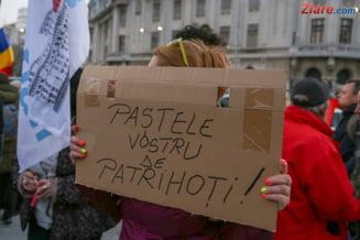 Protest in Piata Universitatii: Jos dictatura! Magistrati, nu cedati! Tudor Chirila cheama romanii in strada (Galerie foto & Video)
