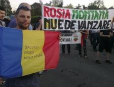 Protest in Piata Universitatii: Manifestantii cer stoparea proiectului Rosia Montana