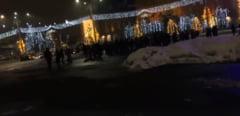 Protest in Piata Victoriei, dupa ce Guvernul a adoptat Ordonanta Teodorovici (Video)