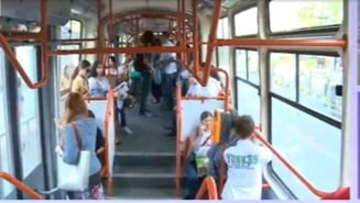 Protest inedit in Bucuresti: Un tramvai numit Rosia Montana