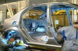 Protest la Dacia: Angajatii, nemultumiti ca se maresc salariile sefilor
